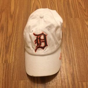 DETROIT TIGERS SEQUIN WHITE BASEBALL HAT